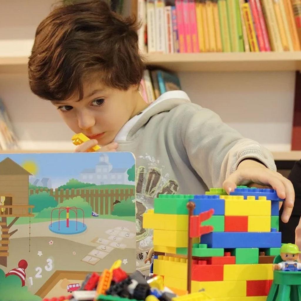 کودکان با اسباب بازی لگو مدل های ذهنی خود را می سازند
