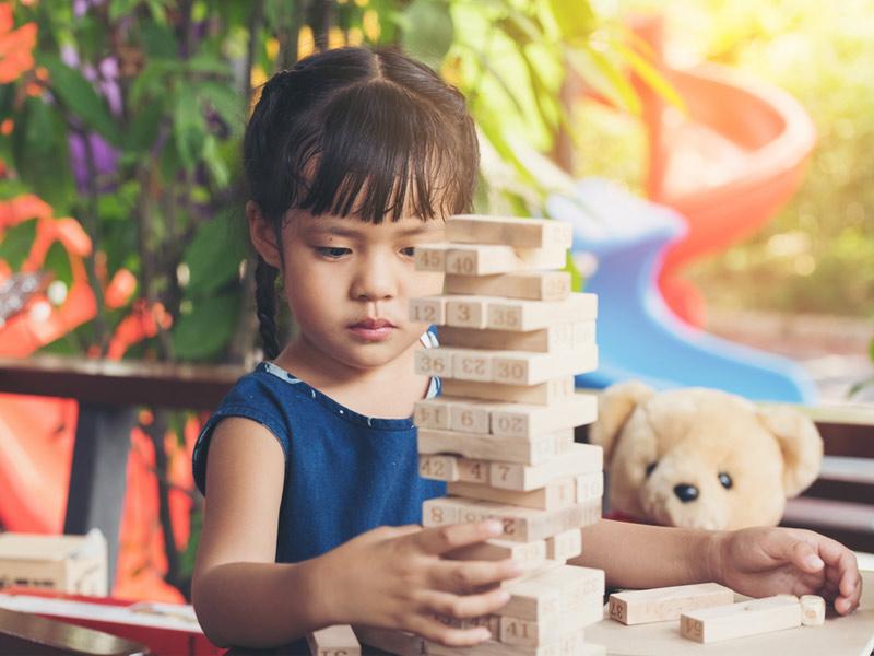 کودک و بازی جنگا