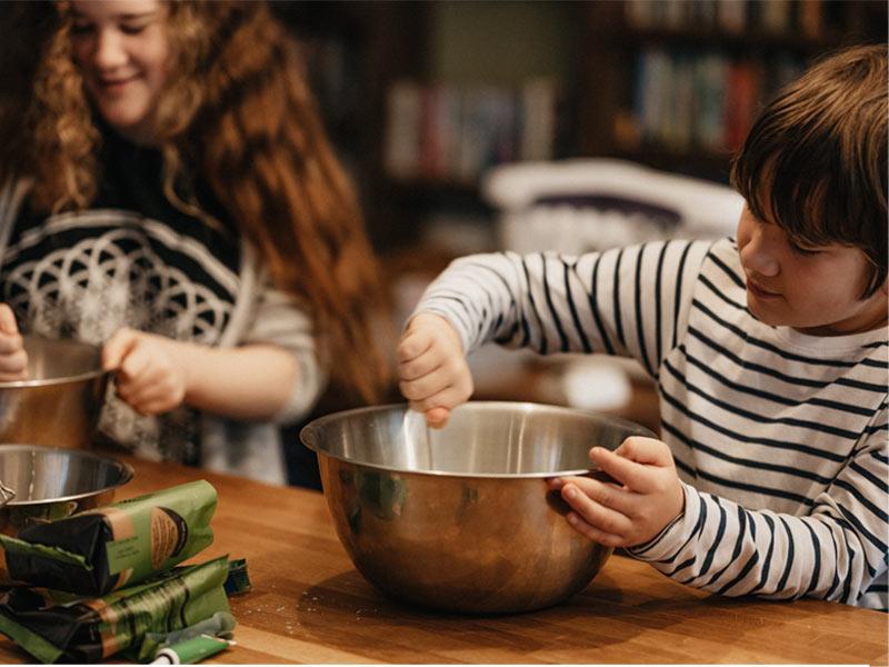 تجربه آشپزی با کودکان