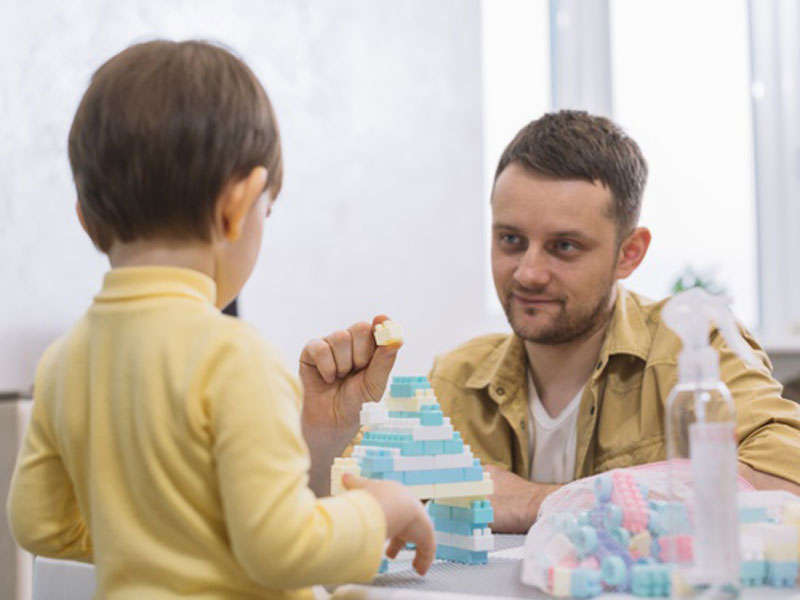لگو تمرینی برای حرف گوش کن شدن کودکان است