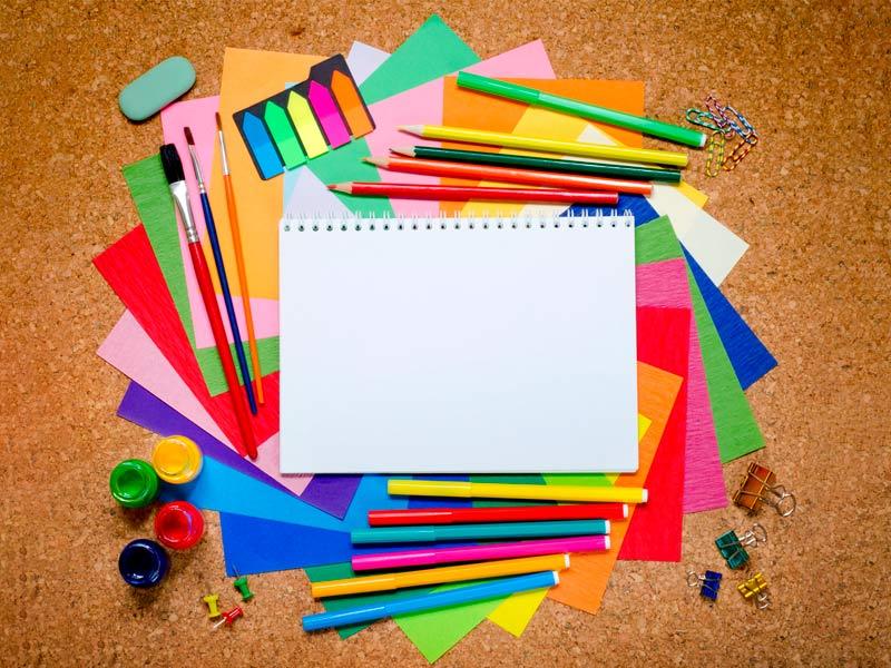 کاغذ و مداد رنگی