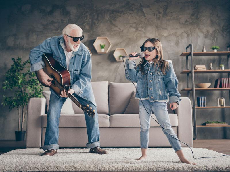 کنسرت نوه و پدربزرگ