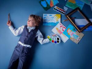 چگونه کودک خلاقتری داشته باشیم؟ 10 روش علمی پرورش خلاقیت کودک