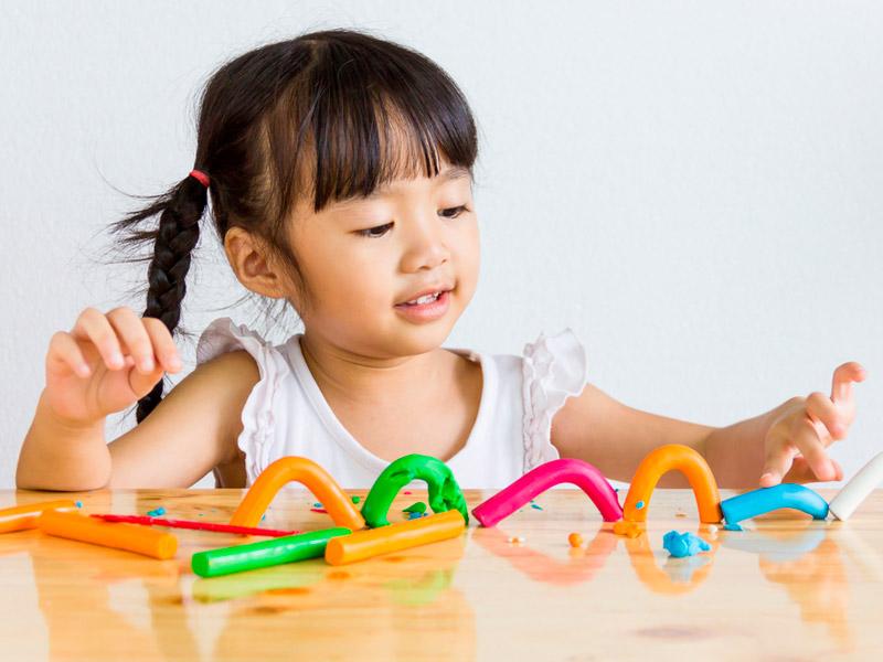 خمیر بازی و رشد کودک