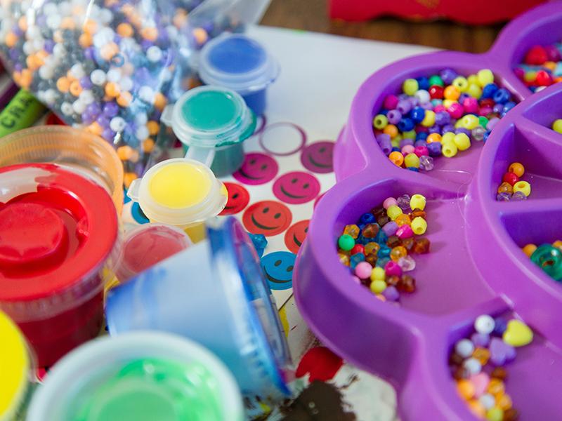 اسباب بازی های پلاستیکی