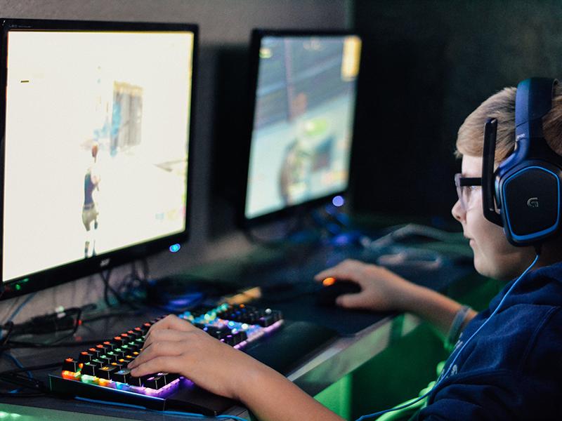 مشتاقان بازیهای کامپیوتری