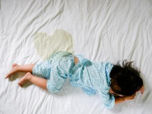 شب ادراری در کودکان، علتها و درمان