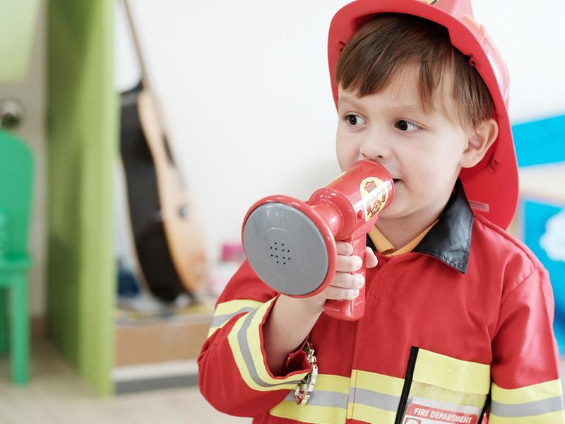 آتش نشانی و نقش آفرینی کودک