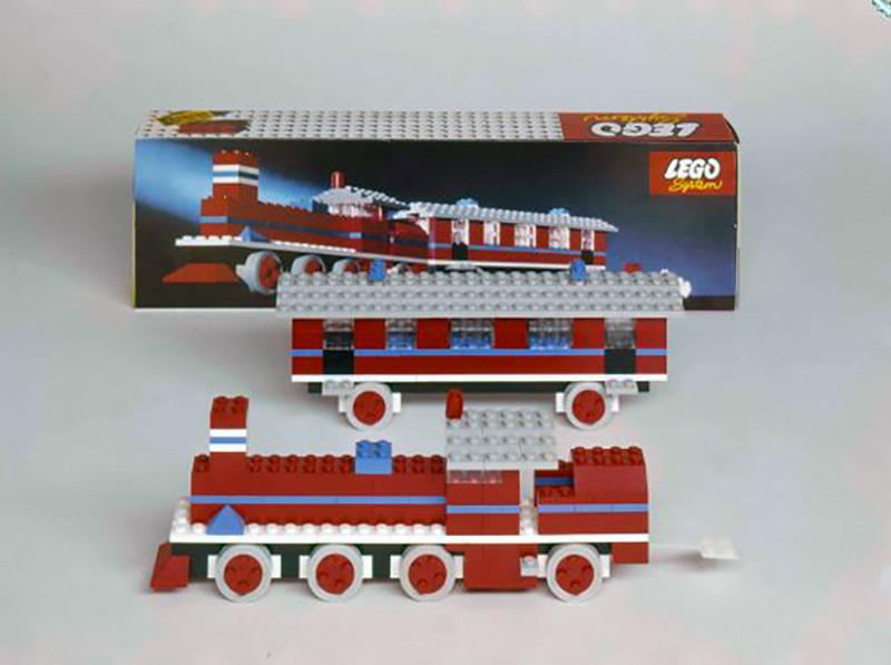 اولین قطار متحرک لگو