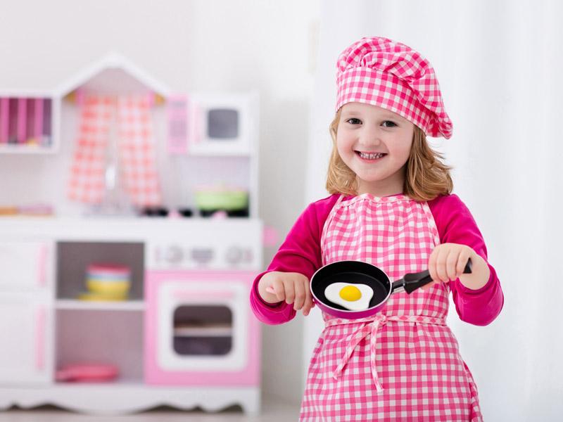 دختربچه سرآشپز