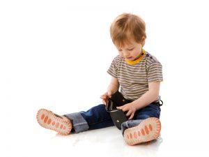 دلیل برداشتن بدون اجازه وسایل دیگران توسط کودک چیست؟