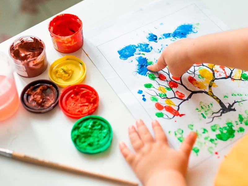 نقاشی با رنگ انگشتی