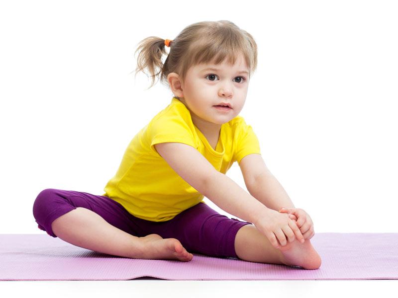 دختر کوچولوی ورزشکار