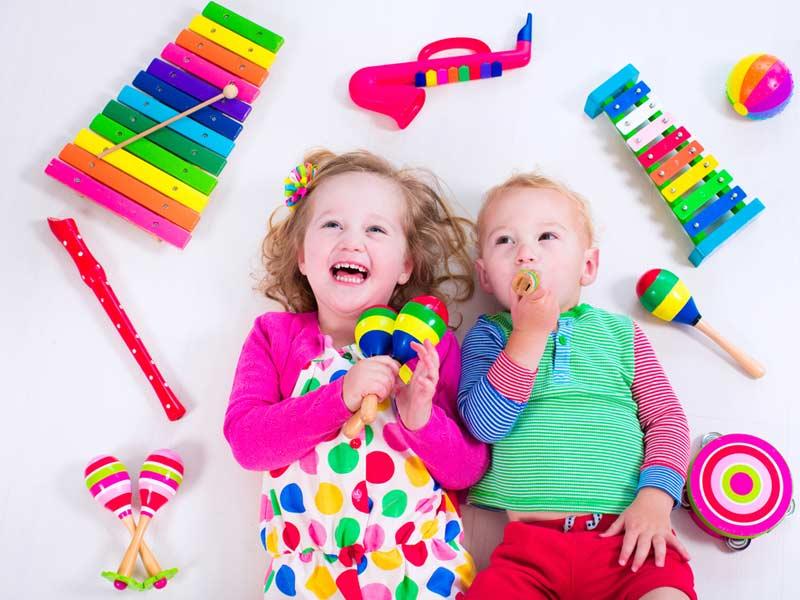 کودکان و اسباب بازی موزیکال