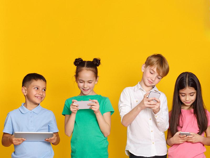 تبلت و موبایل بازی کودکان