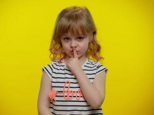 با کودک دروغگو چگونه رفتار کنیم؟