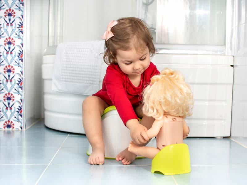 رفتن به دستشویی با عروسک