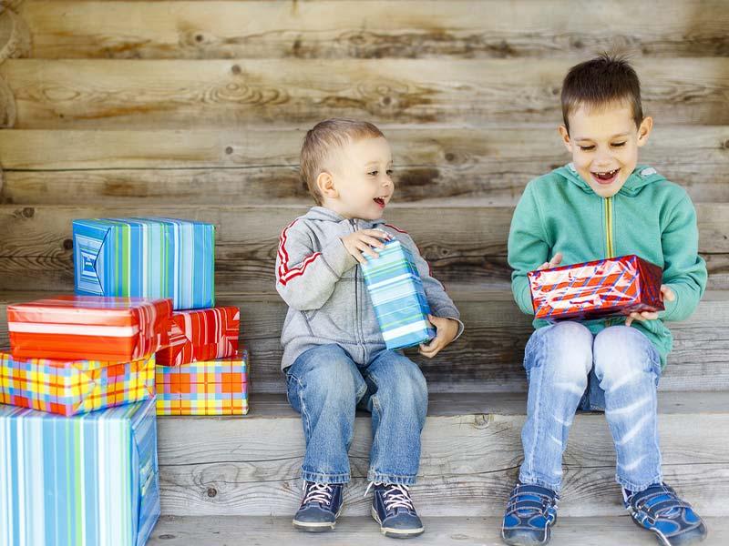 خرید کادو برای بچهها