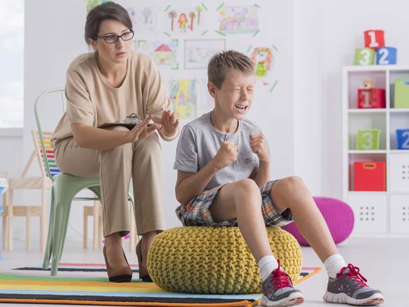 درمان اختلال رفتاری پسر